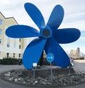Propeller, byggd i Uddevalla, till oljetanker, nu utanför vårt hotell.